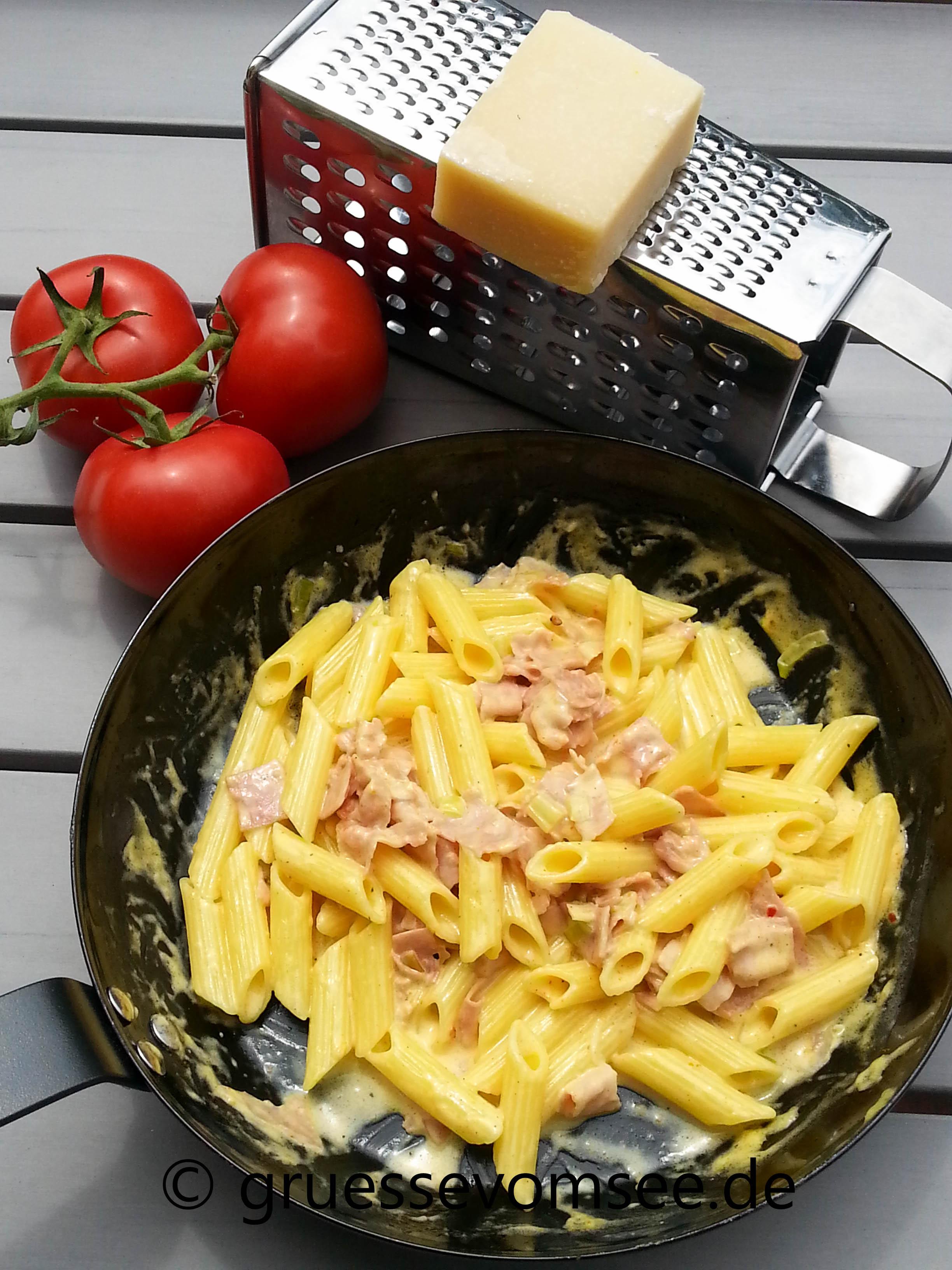 Pasta_Käse_Schinken_Sosse